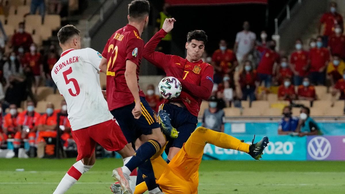 Morata falla una ocasión de gol. (AFP)