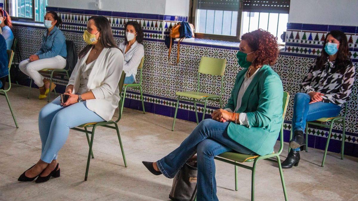 El PSOE impone en varios municipios de Huelva talleres de empoderamiento femenino.