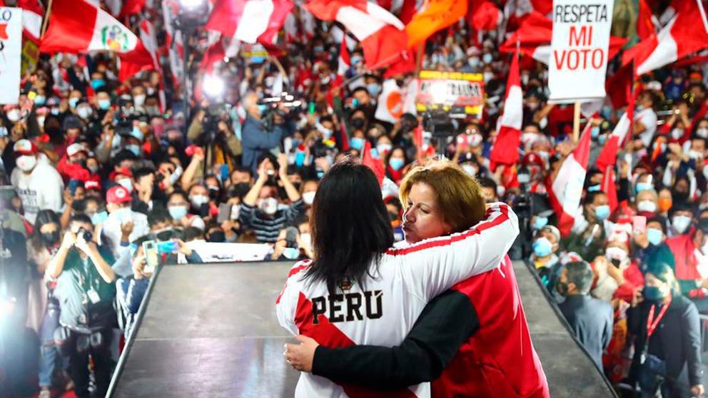Keiko Fujimori en la manifestación contra el presunto fraude electoral. (Foto: Hugo Curotto / @photo.gec)
