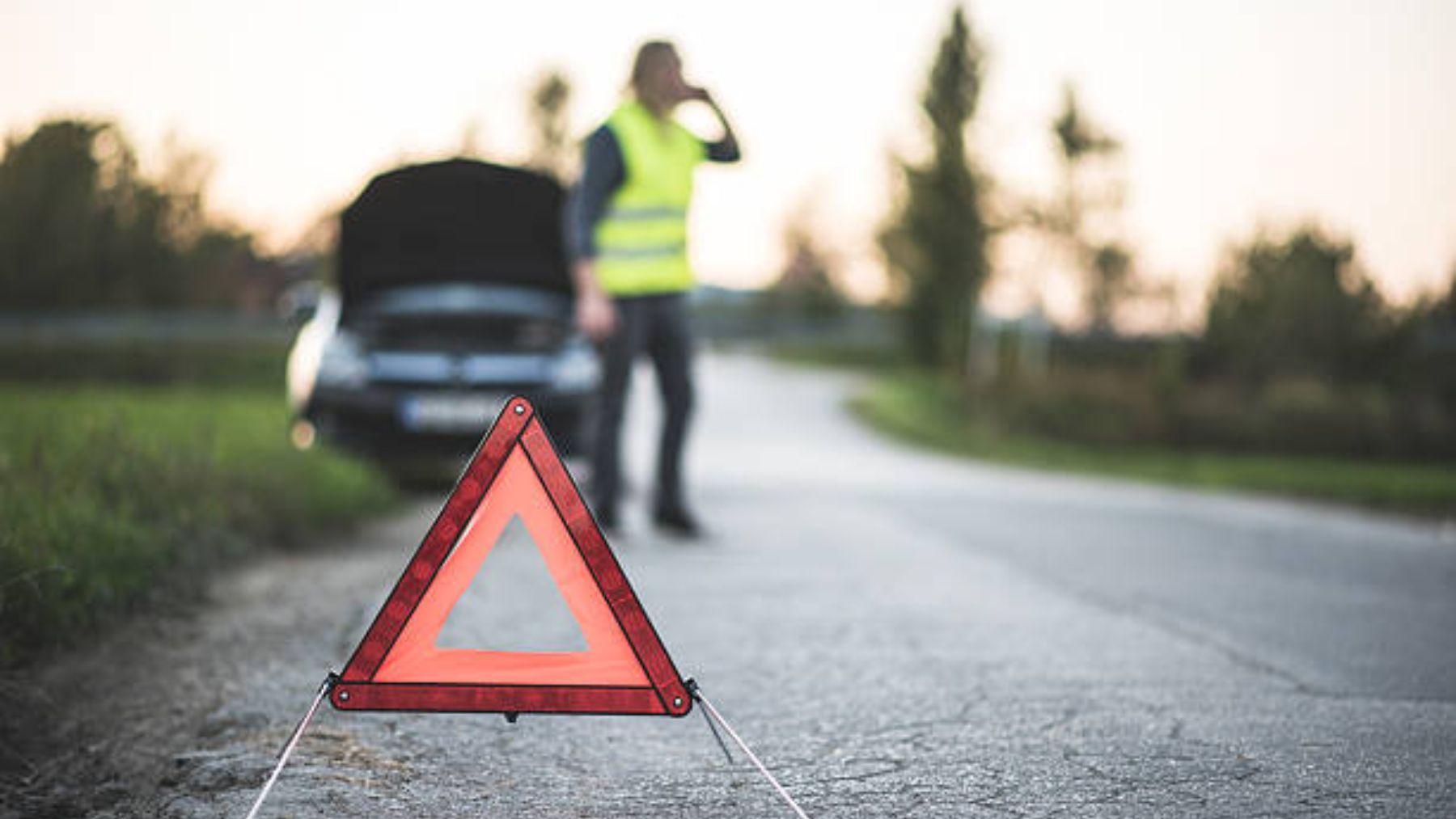 La DGT nos recuerda qué hacer en carretera ante una emergencia o avería