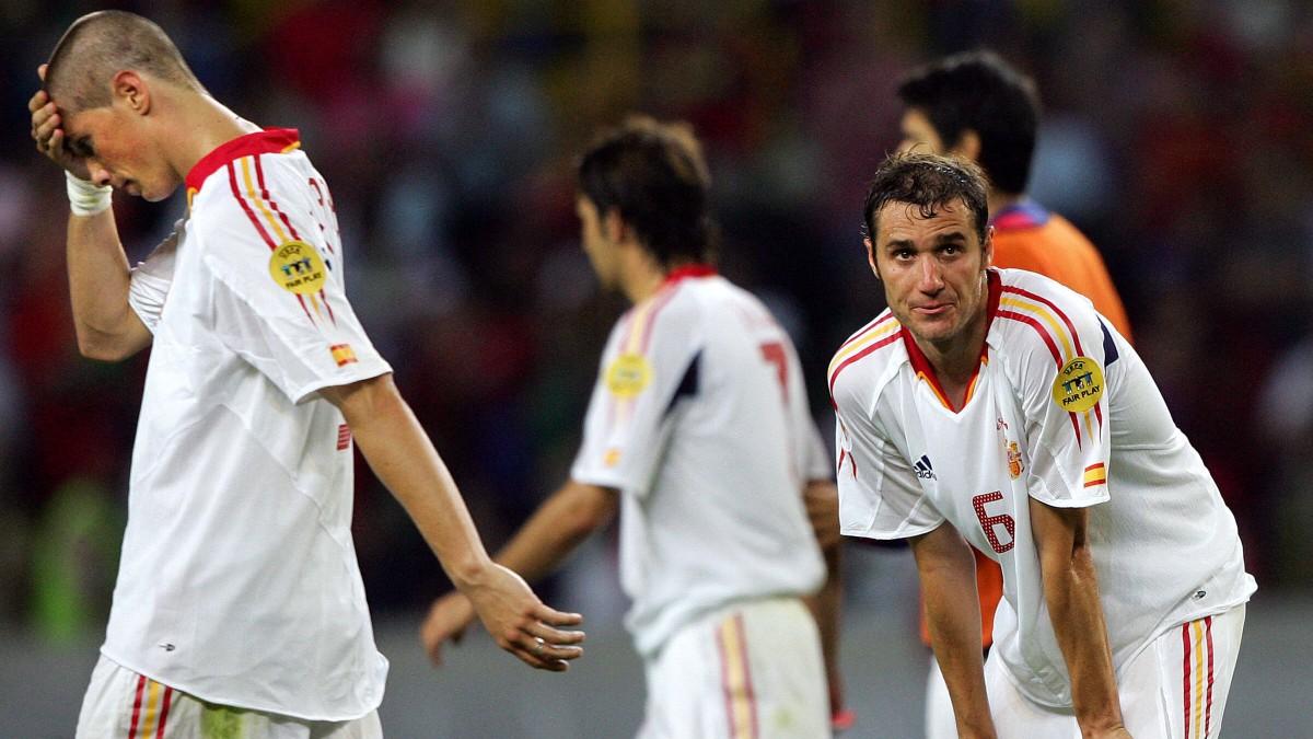 España, tras perder con Portugal en 2004. (AFP)