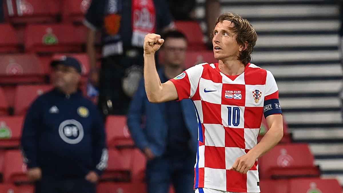 Luka Modric celebra su gol en el Croacia-Escocia de la Eurocopa 2020. (AFP)