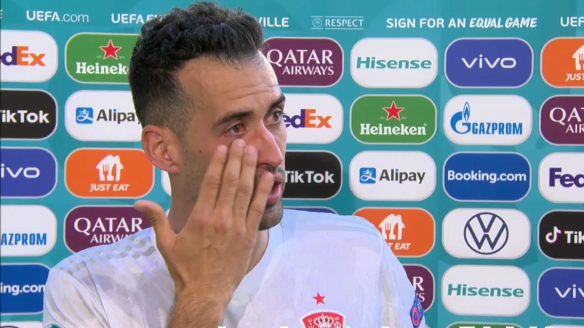 Sergio Busquets se emocionó tras la victoria de España ante Eslovaquia.