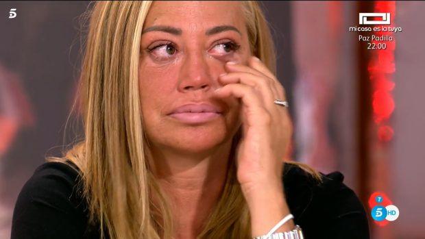 Belén Esteban, rota de dolor durante el especial de Sálvame en homenaje a Mila Ximénez
