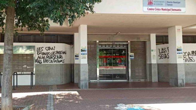 Pintadas amenazantes contra los trabajadores de un centro cívico de Córdoba: «Muerte al facha»