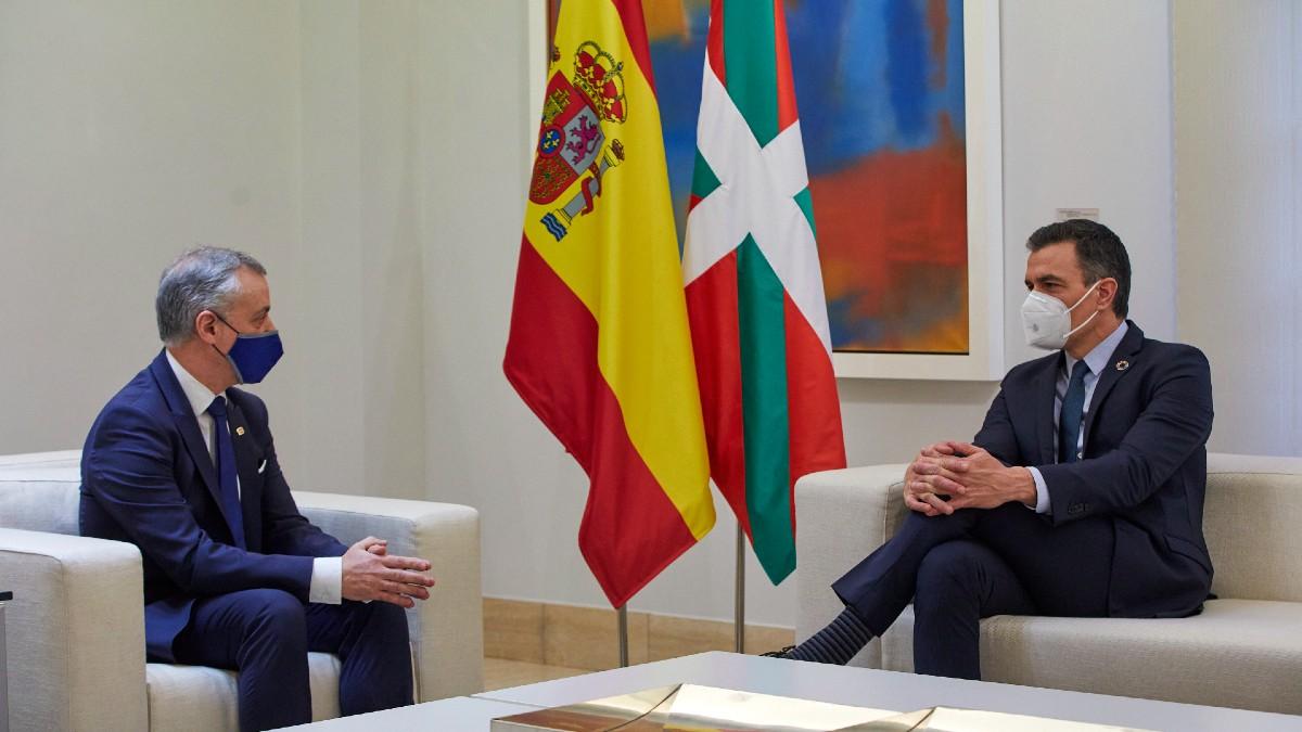 Íñigo Urkullu y Pedro Sánchez en Moncloa. (Foto: Europa Press)