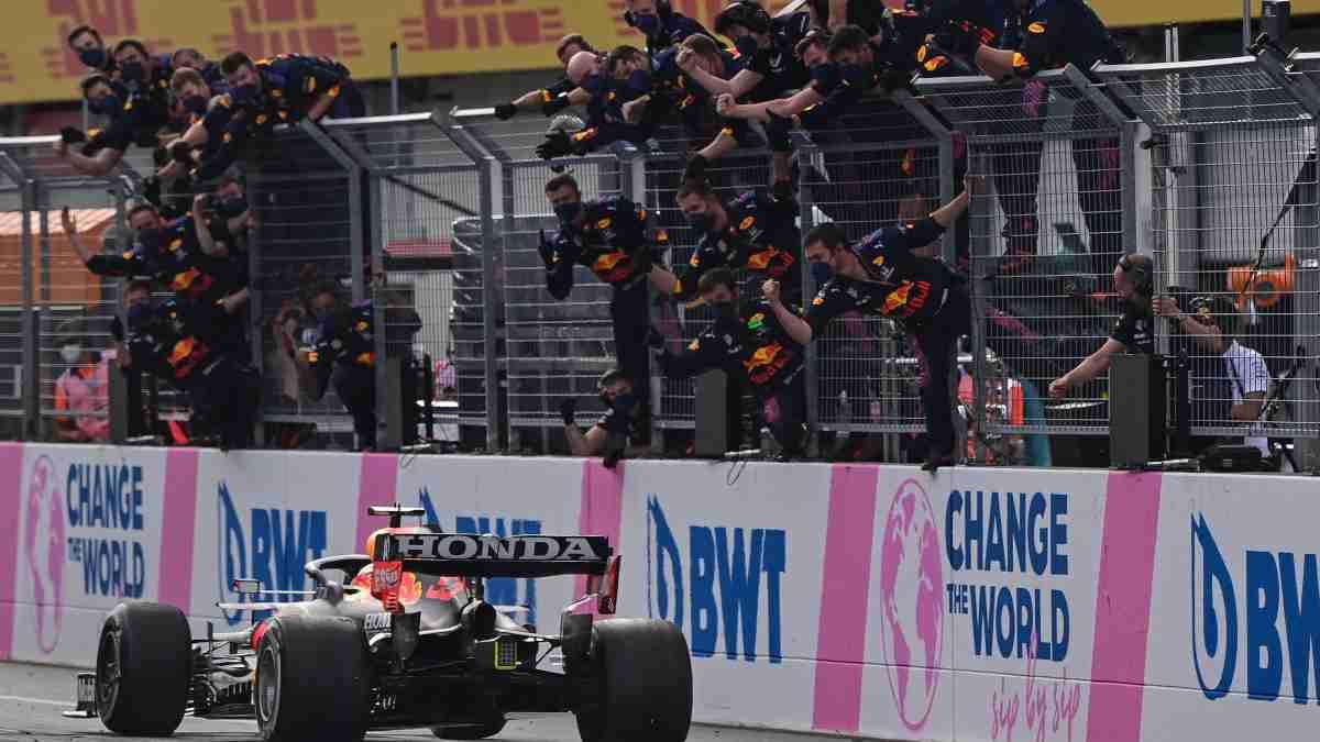 Max Verstappen tras su victoria en el Gran Premio de Estiria de Fórmula 1. (AFP)