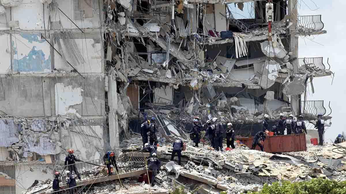 Imagen del edificio desplomado en Miami (Foto: AFP)