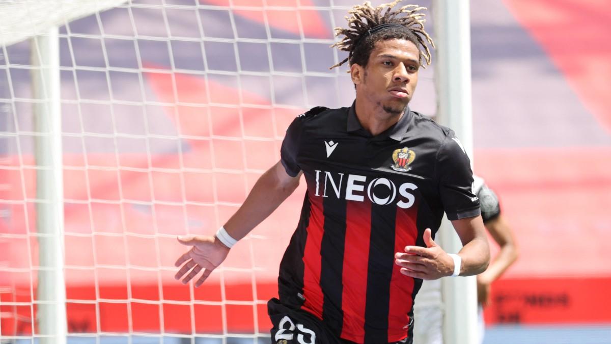 Todibo celebra un gol con el Niza. (AFP)