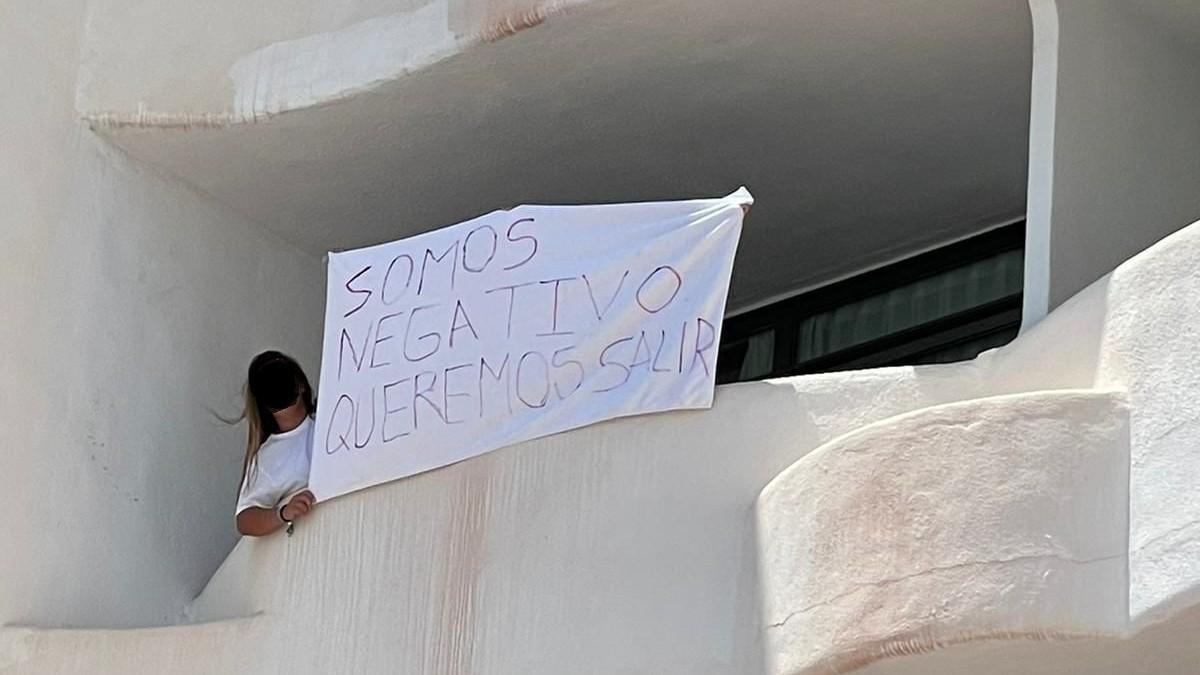 Estudiante gallega confinada en una habitación del hotel Bellver de Mallorca.