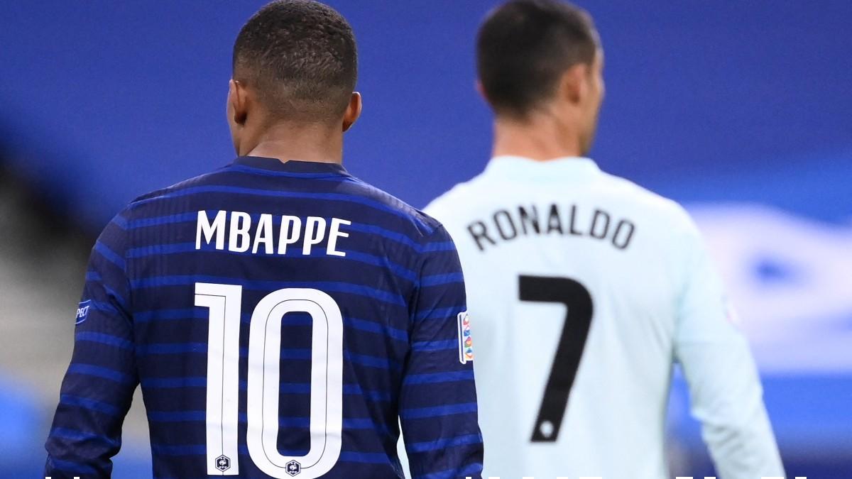 Kylian Mbappé y Cristiano Ronaldo durante el Francia-Portugal de la Eurocopa. (AFP)