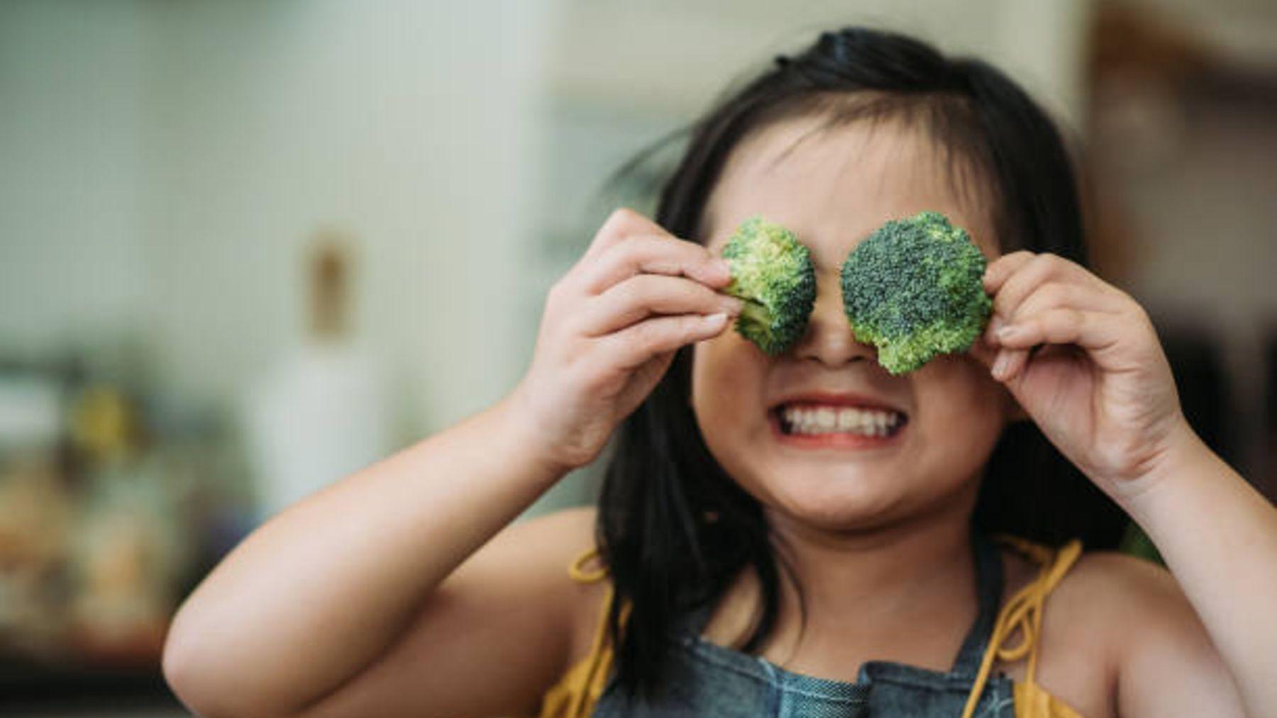 Descubre la manera para conseguir que tus hijos coman más verduras