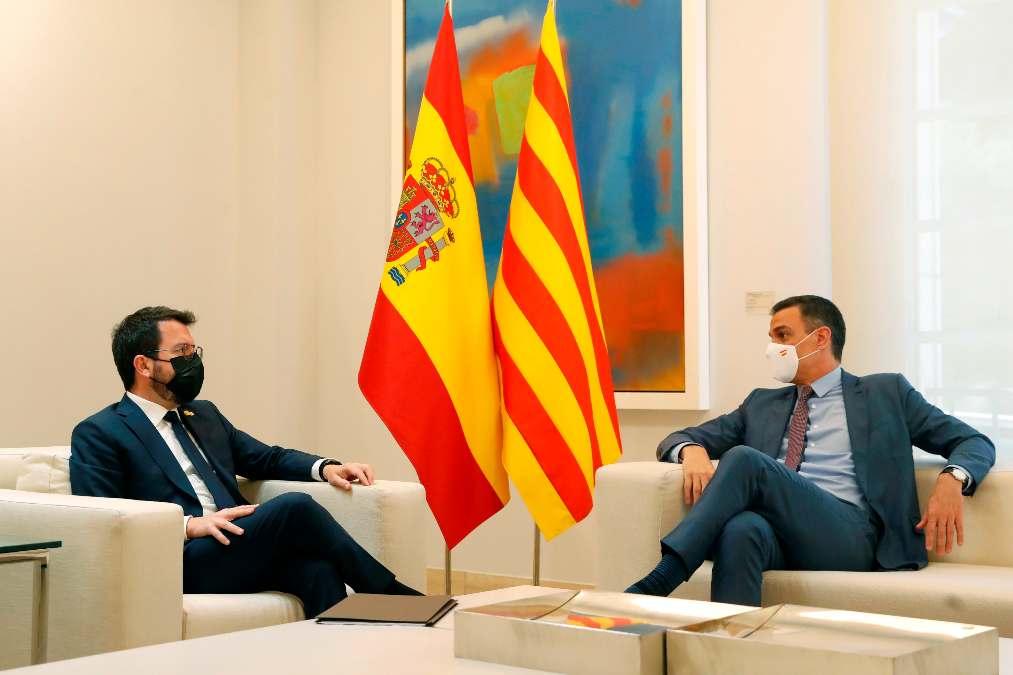 Pedro Sánchez con Pere Aragonès.