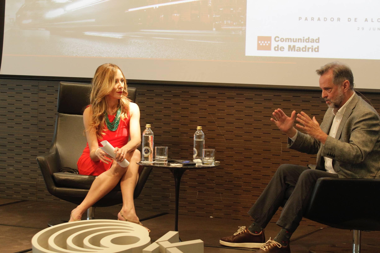 Cynthia Díaz Nobile, periodista de OKDIARIO,  y Juan Cierco, director de Comunicación de Iberia. @FranciscoToledo