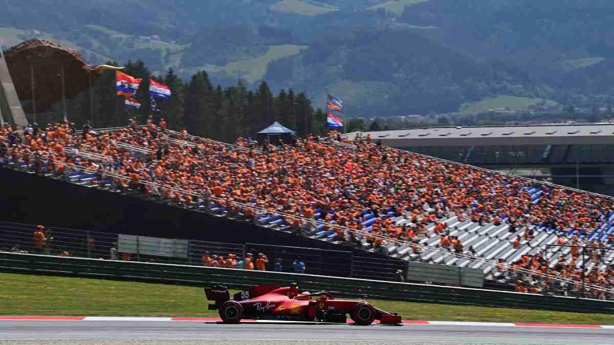 Carlos Sainz durante la sesión de clasificación del Gran Premio de Austria de Fórmula 1. (AFP)