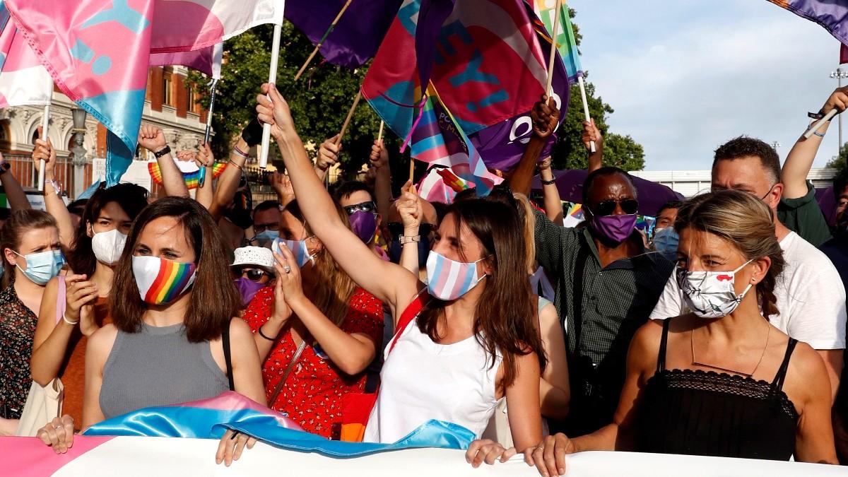 Las ministras de Podemos Ione Belarra, Irene Montero y Yolanda Díaz. (Foto: Efe)