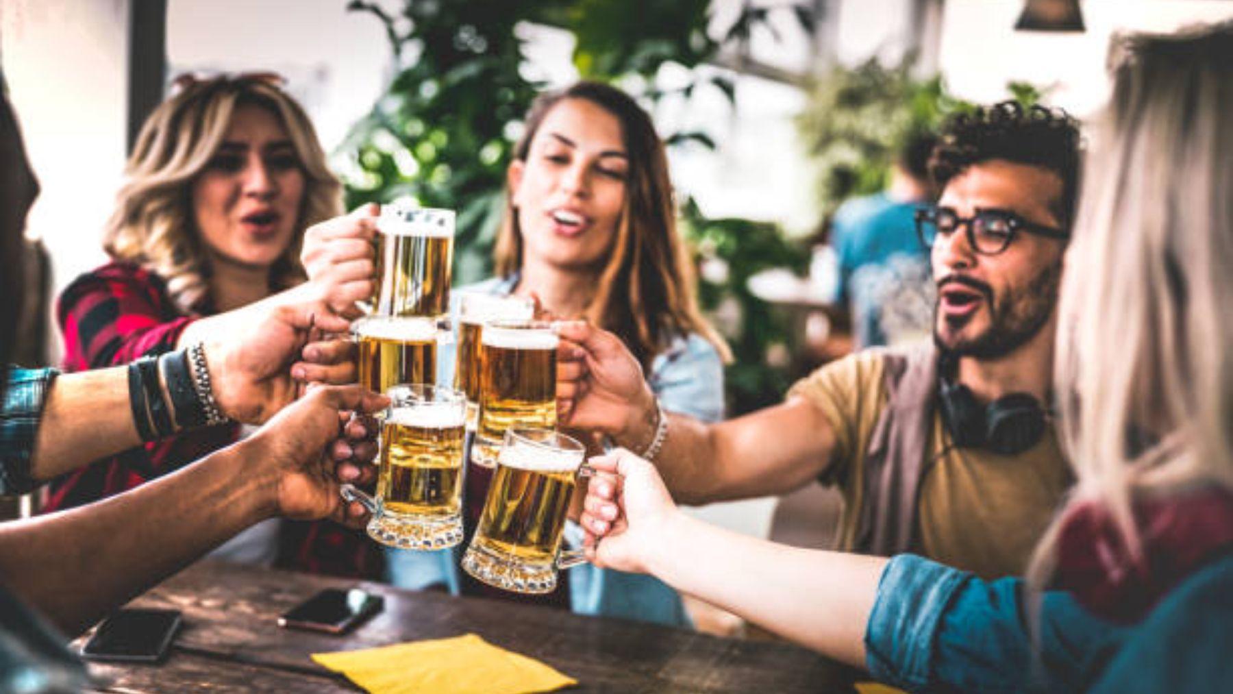 Descubre qué debes beber si no quieres engordar