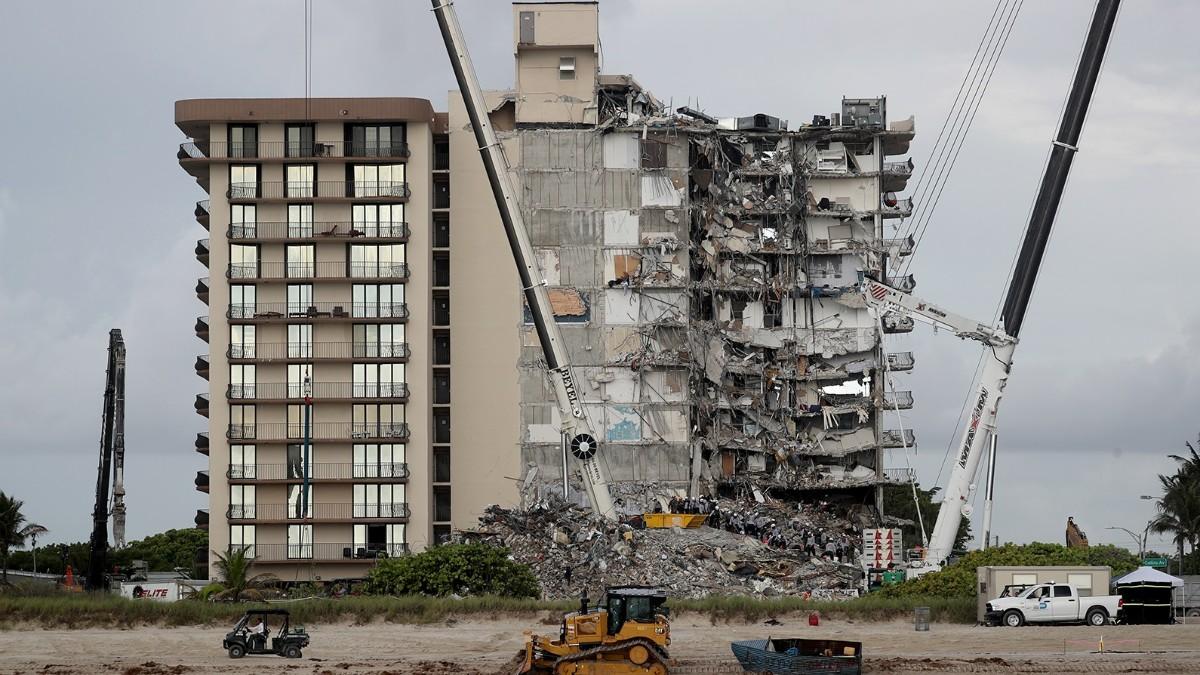 Imagen del derrumbe del edificio de Miami.