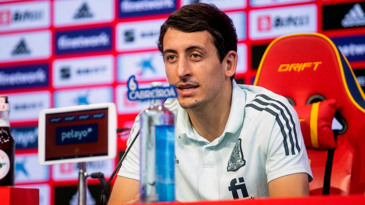 Mikel Oyarzabal, durante una rueda de prensa con España. (EFE)