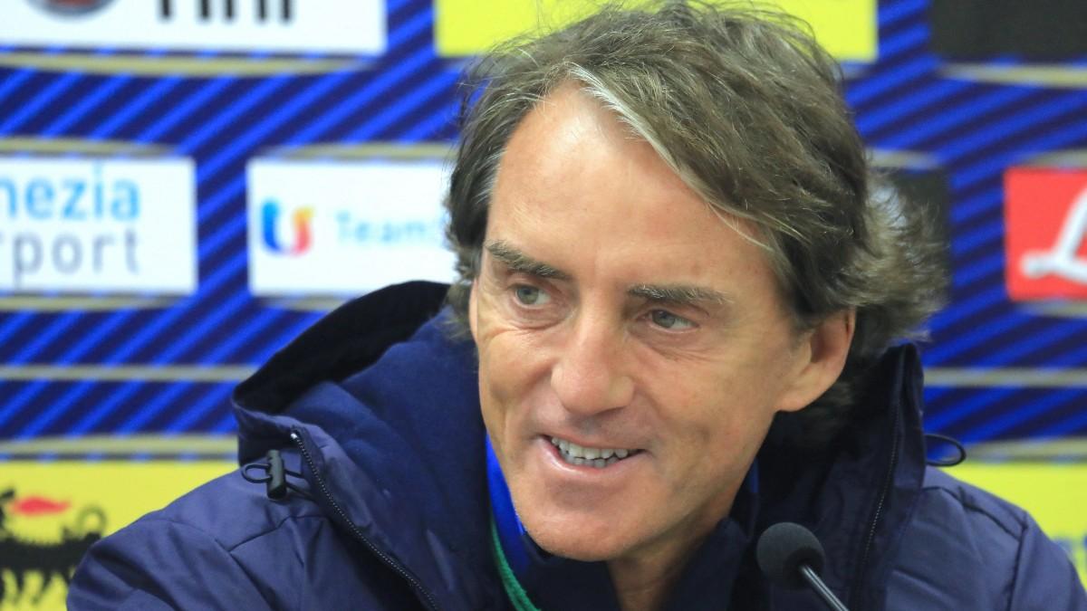 Roberto Mancini, en una rueda de prensa. (AFP)
