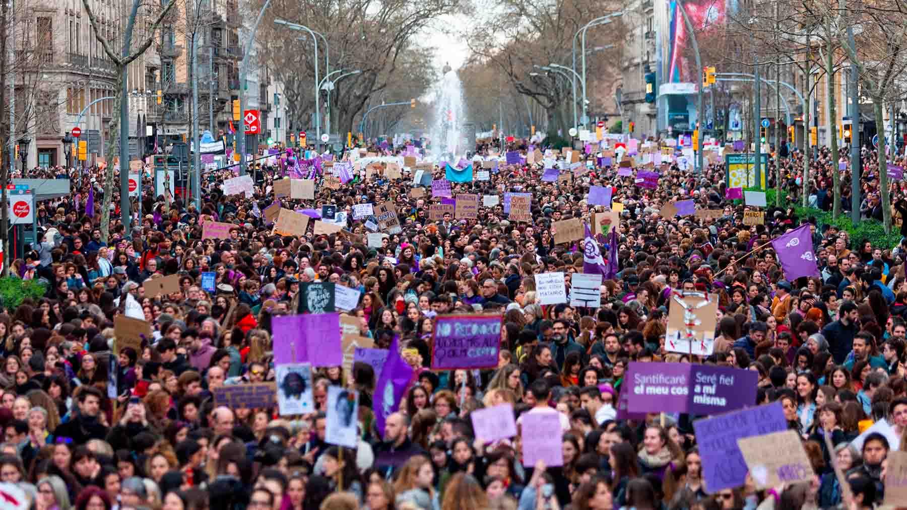 Manifestación por el 8 de marzo en Barcelona