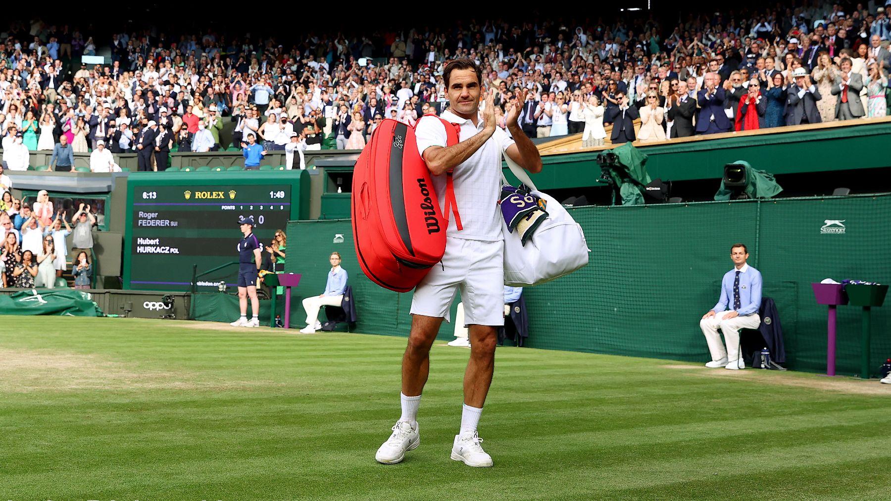 Federer se despide del público. (Getty)