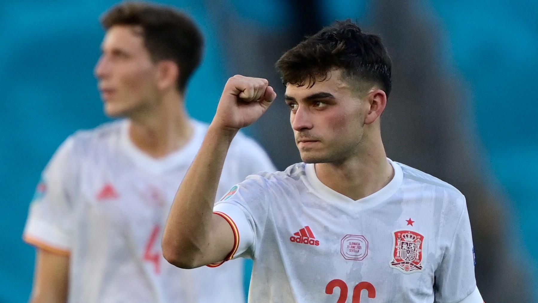 Pedri, durante un partido con España. (AFP)