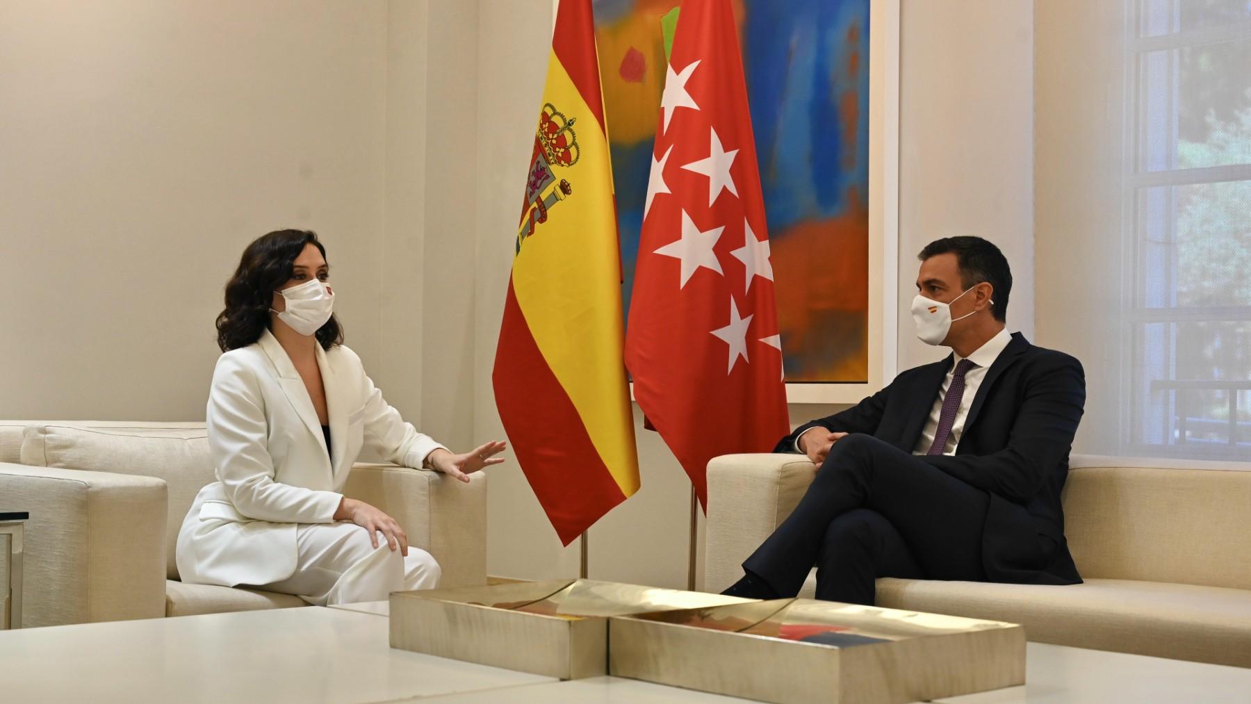 Pedro Sánchez e Isabel Díaz Ayuso en La Moncloa.