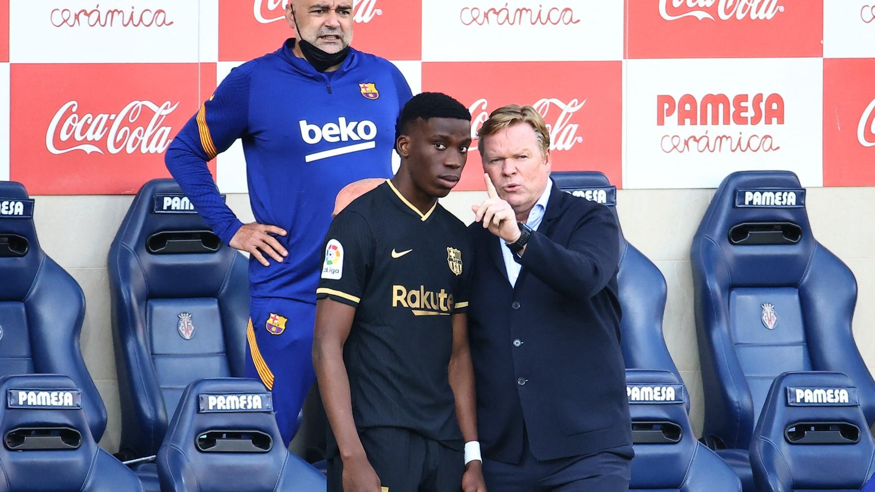 Moriba recibe órdenes de Koeman. (AFP)