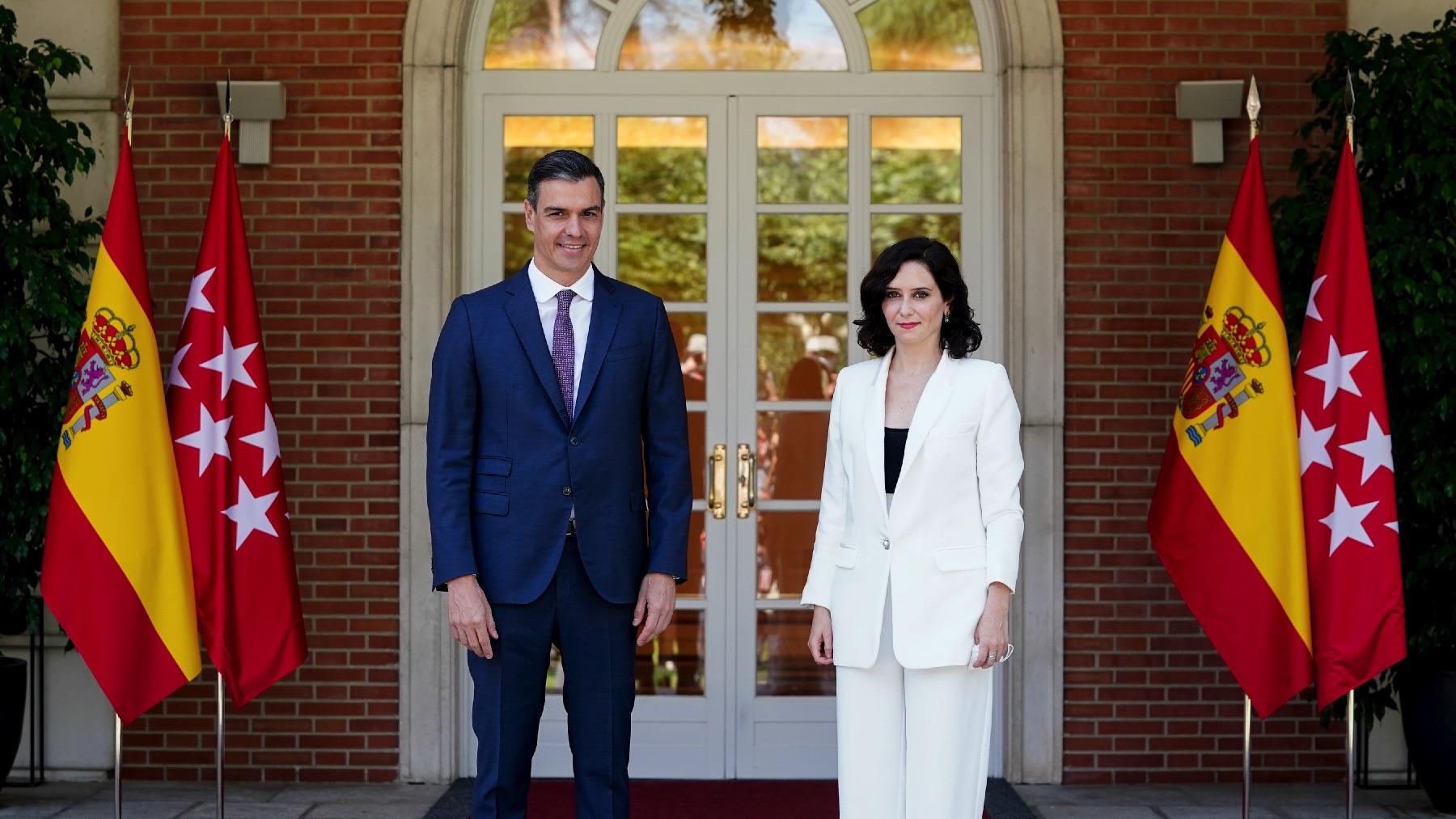 Pedro Sánchez e Isabel Díaz Ayuso en La Moncloa. (Foto: Comunidad)
