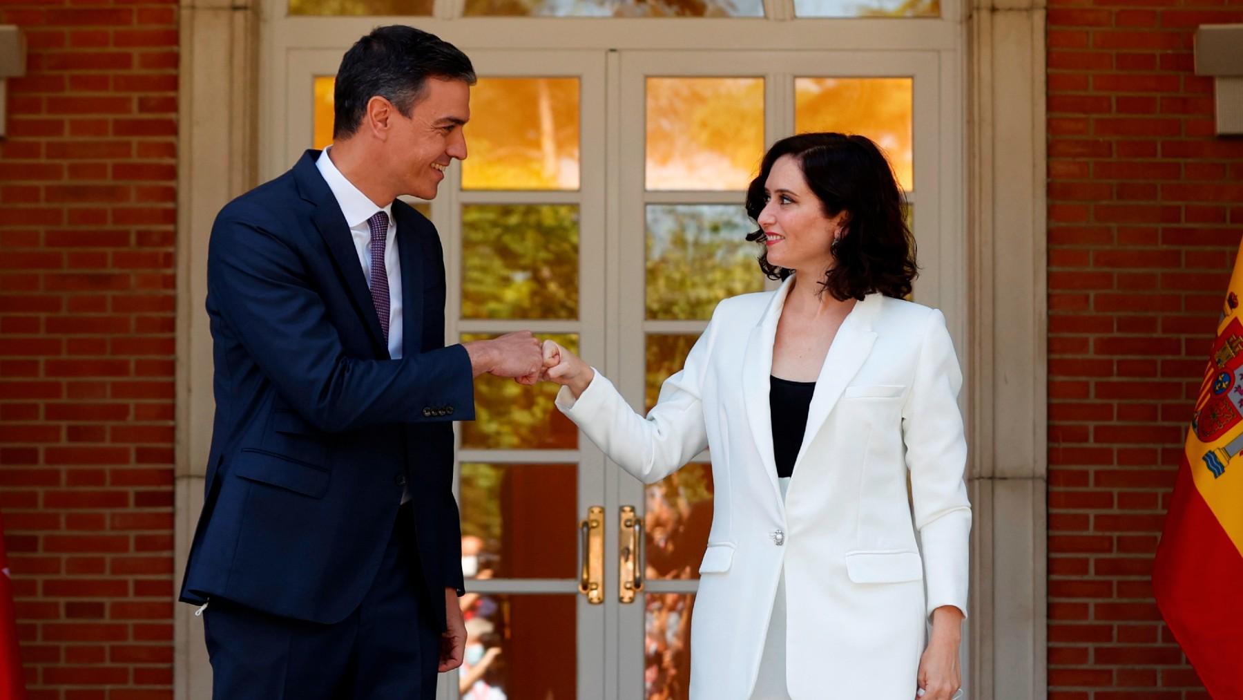 Pedro Sánchez e Isabel Díaz Ayuso en La Moncloa. (Foto: Efe)