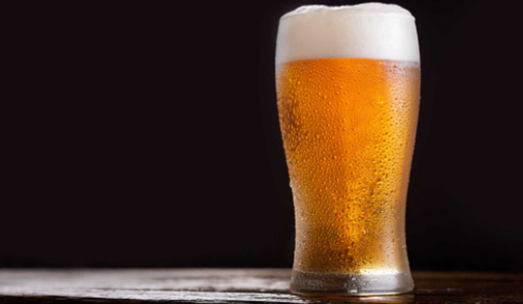 El truco más rápido para enfriar la cerveza en solo un minuto
