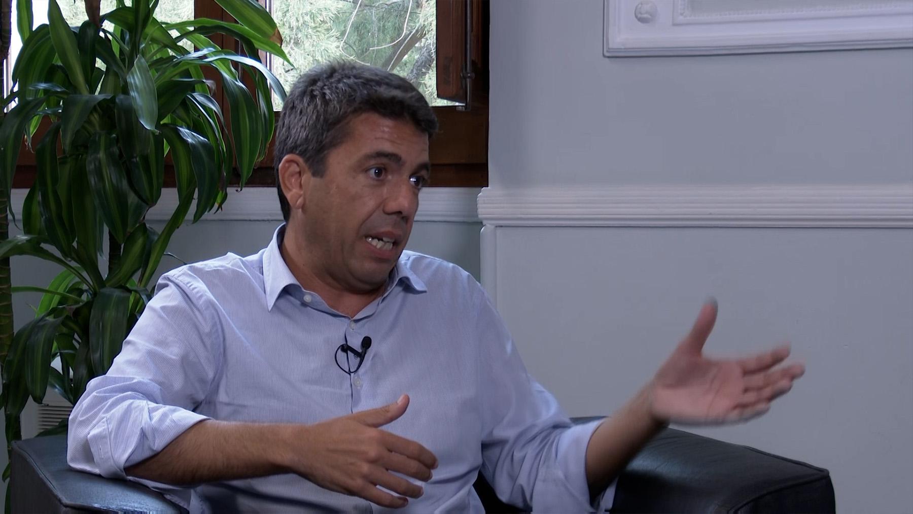 Carlos Mazón habla con OKDIARIO