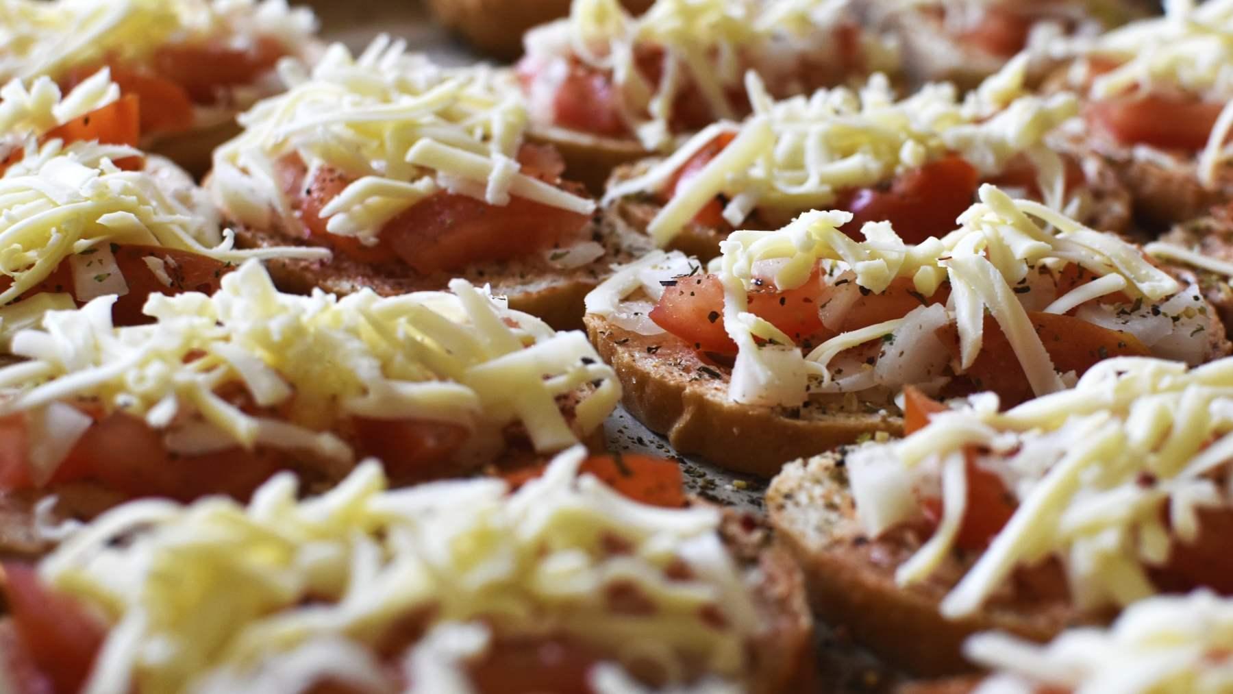 Pan de tomate, mozzarella