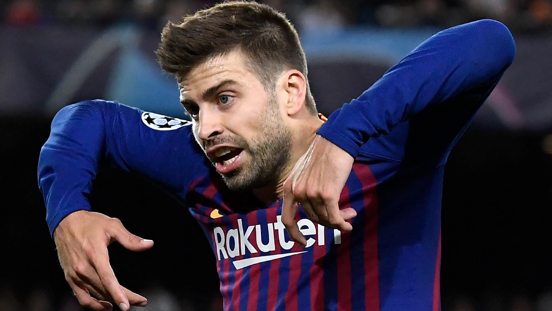 Piqué, en un partido de Champions con el Barcelona. (AFP)