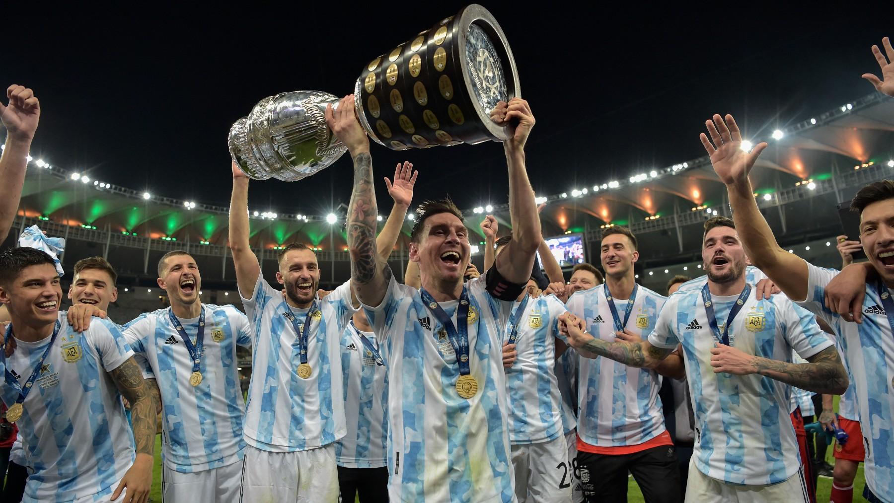 Messi gana con la selección argentina la Copa América.