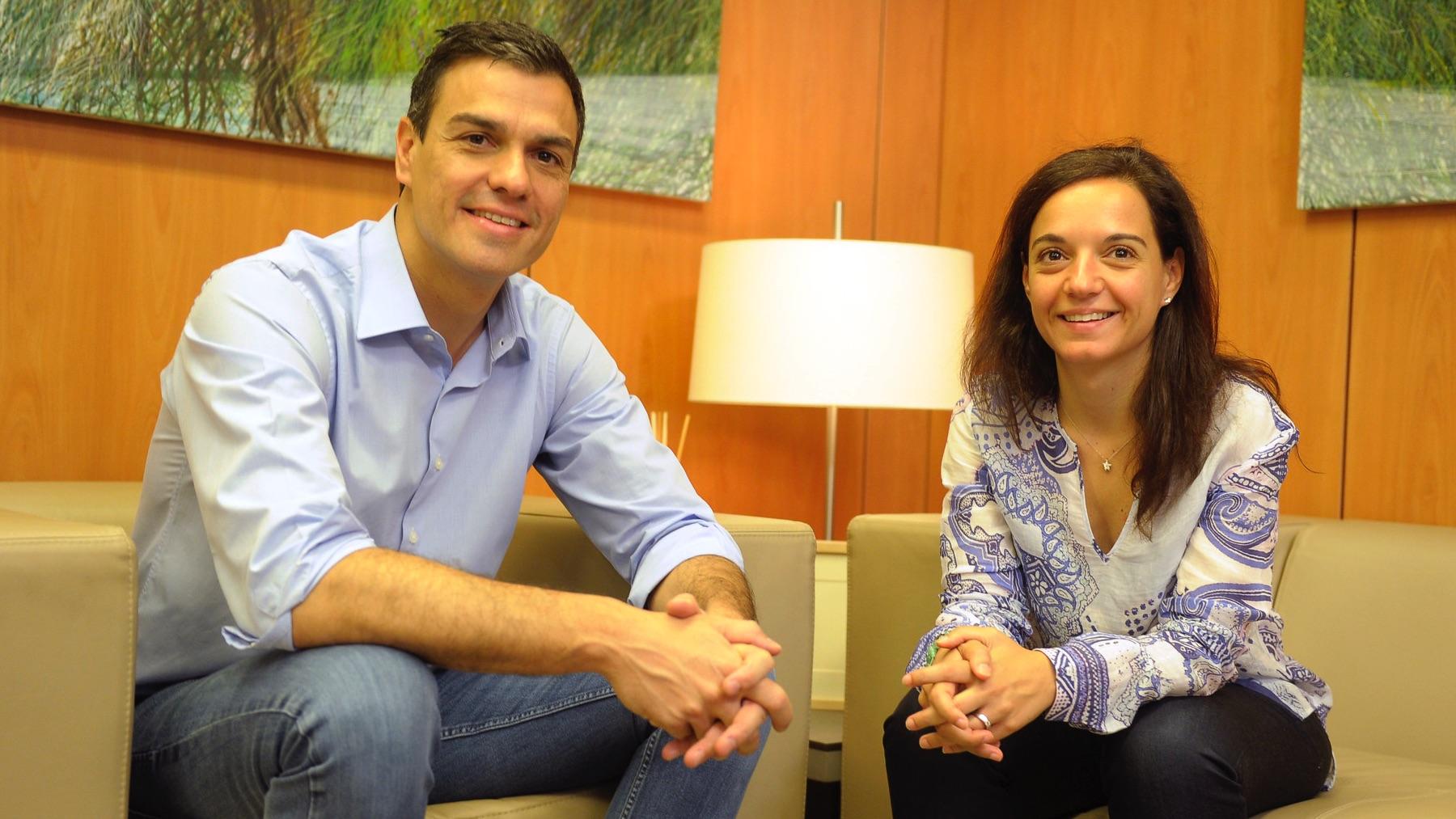 Pedro Sánchez y Sara Hernández en imagen de archivo. (Foto: PSOE)