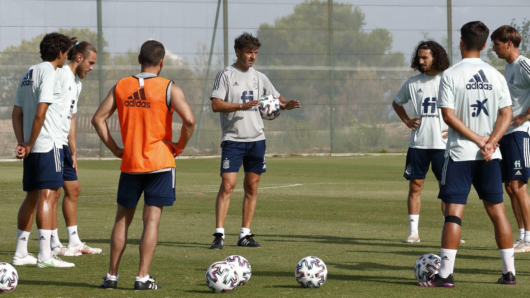 Los jugadores de la selección española Sub23 durante un entrenamiento. (sefutbol.com)