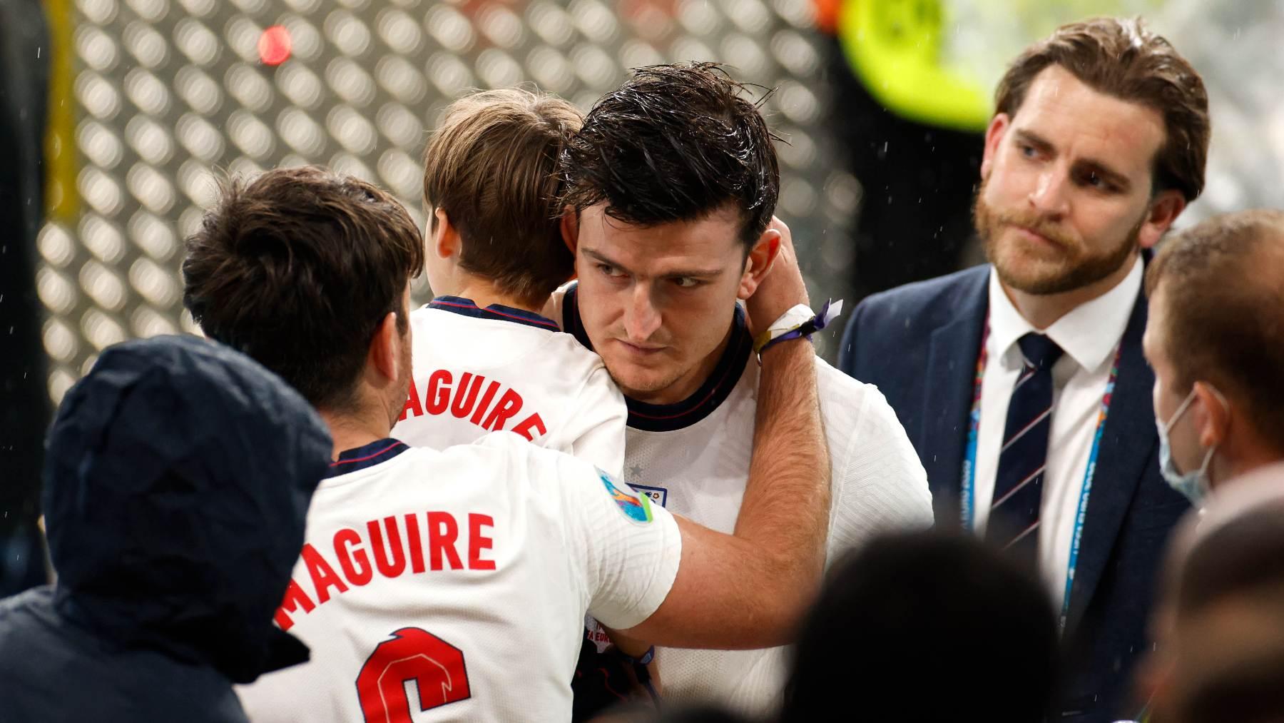 Maguire, con sus hijos tras la final de la Eurocopa. (Getty)