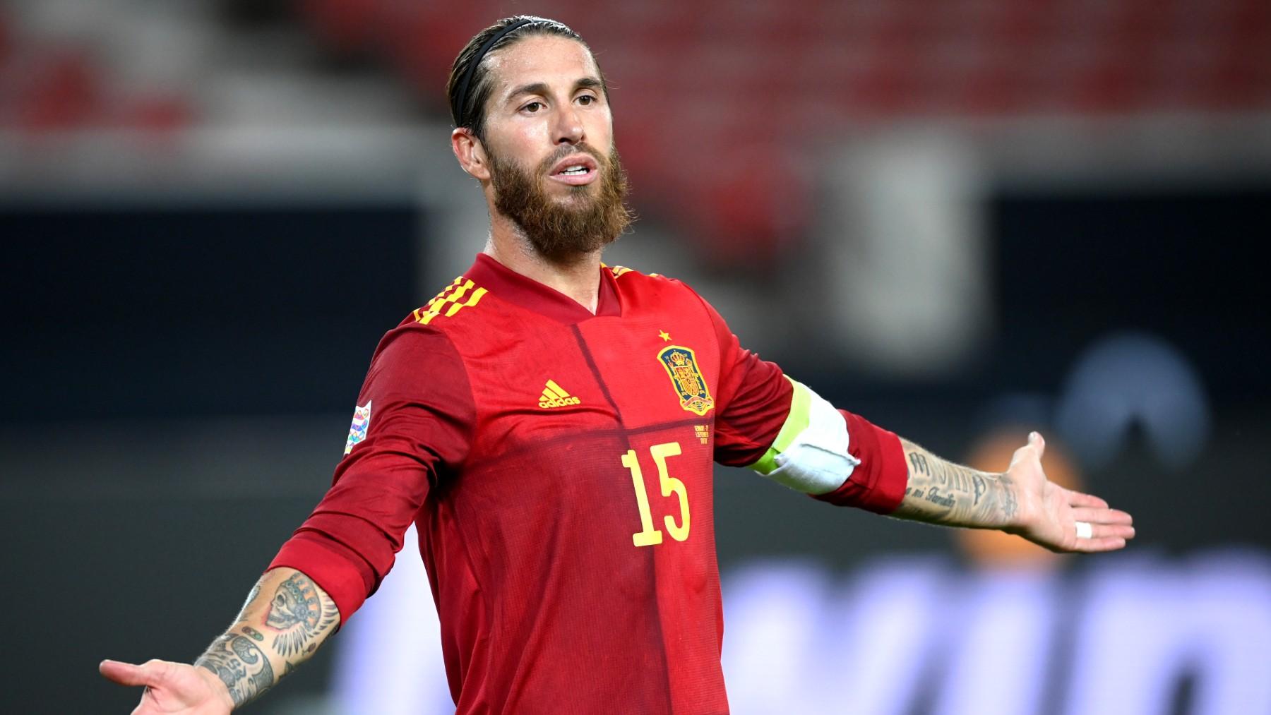 Sergio Ramos, en un encuentro con la selección española. (Getty)