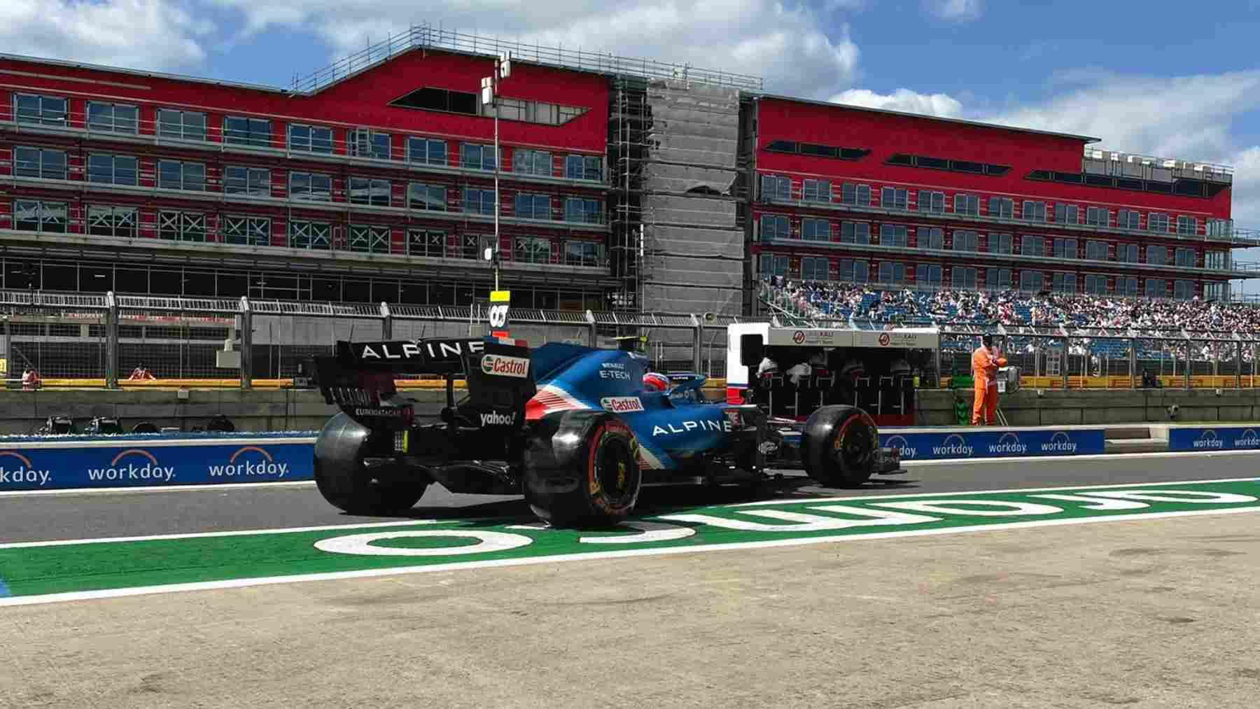 Fernando Alonso en Silverstone durante la sesión de clasificación. (@AlpineF1Team)