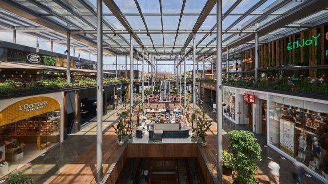 La inversión en locales, centros y parques comerciales se hunde un 63% hasta junio