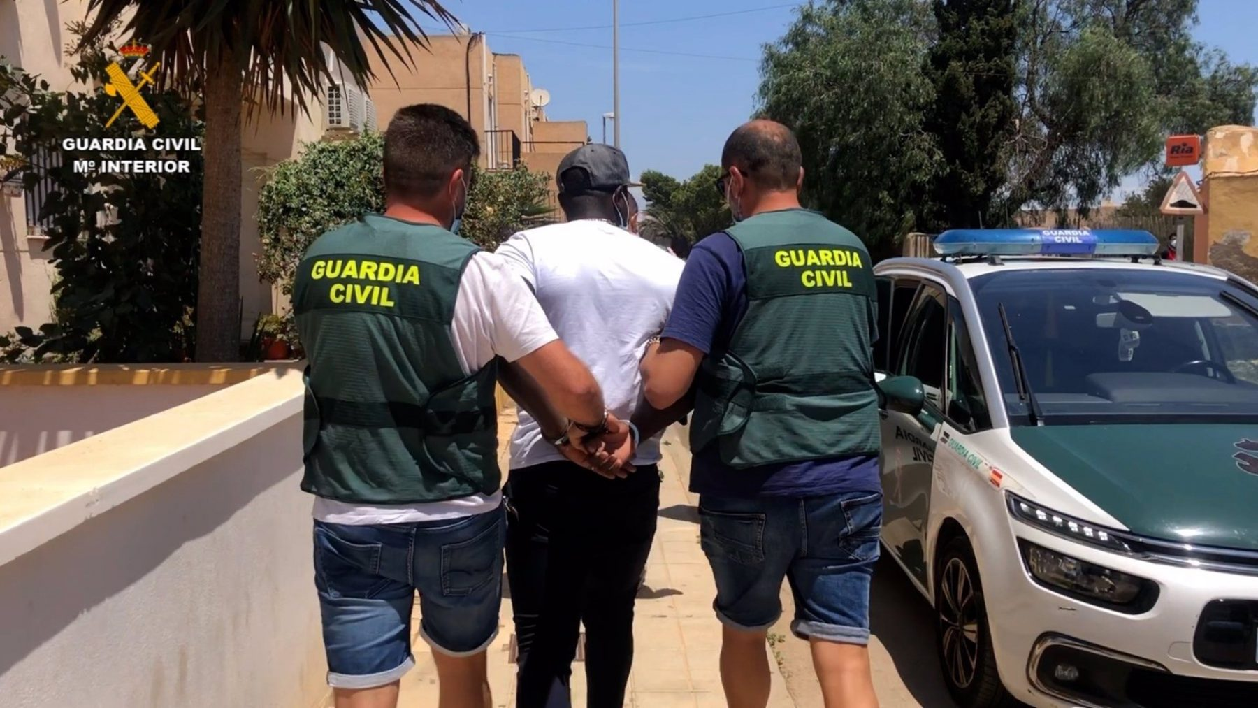 El arrestado, este viernes, en el momento de su detención (GUARDIA CIVL).