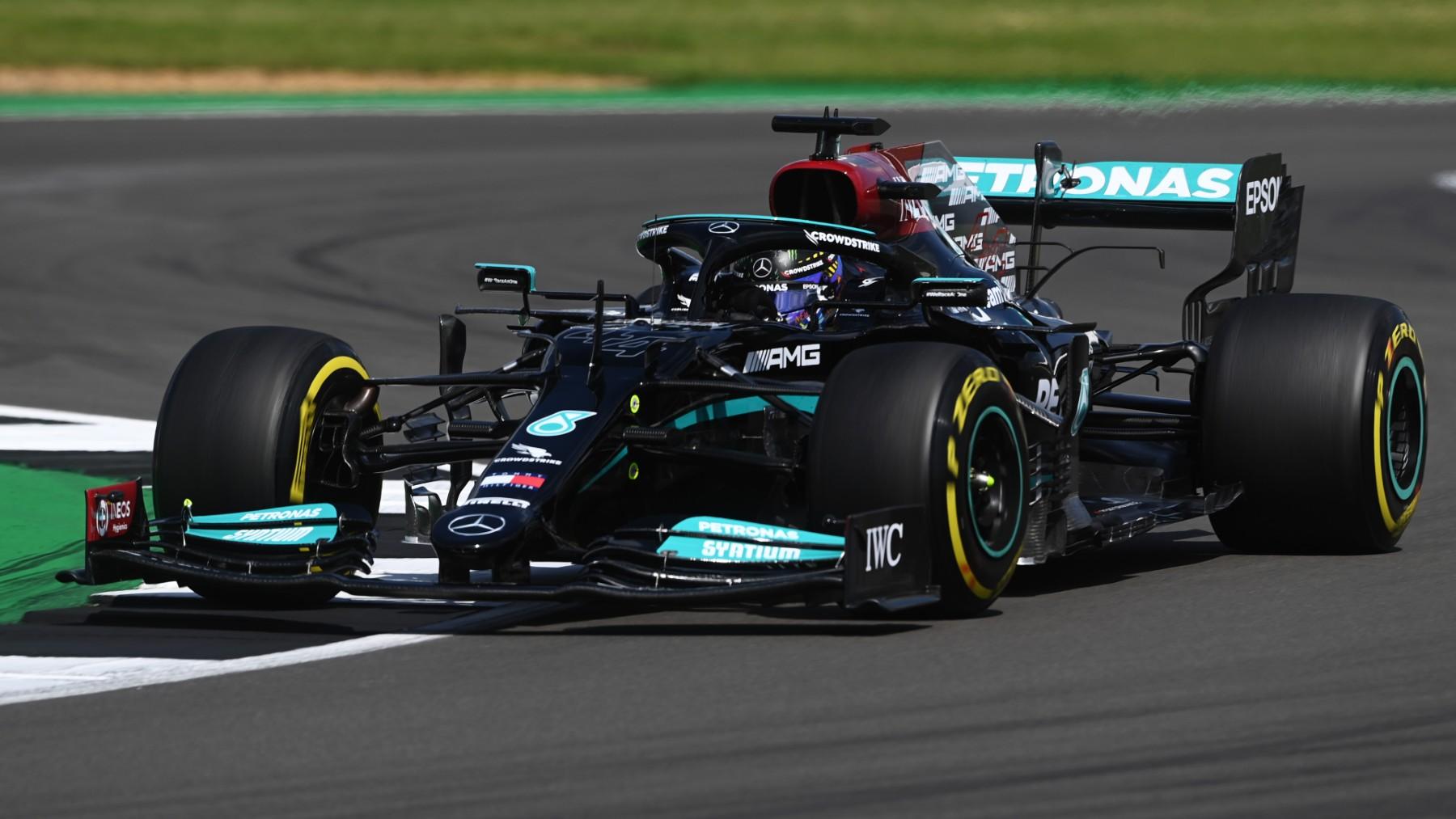 Lewis Hamilton se llevó la primera posición en la clasificación del GP de Gran Bretaña. (Getty)