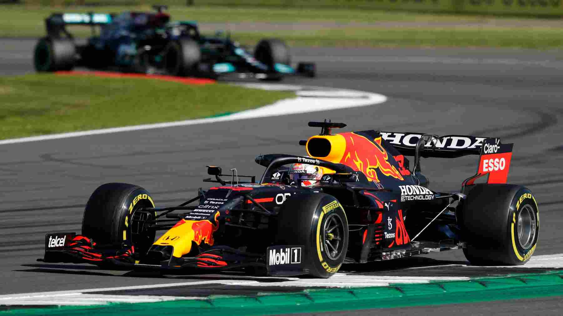 Max Verstappen durante la carrera al sprint del Gran Premio de Gran Bretaña. (AFP)