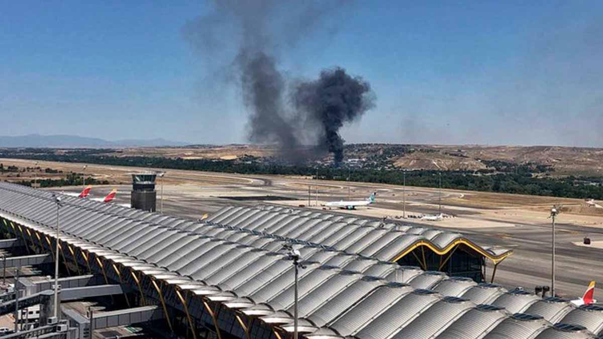 Incendio en Barajas (@controladores)