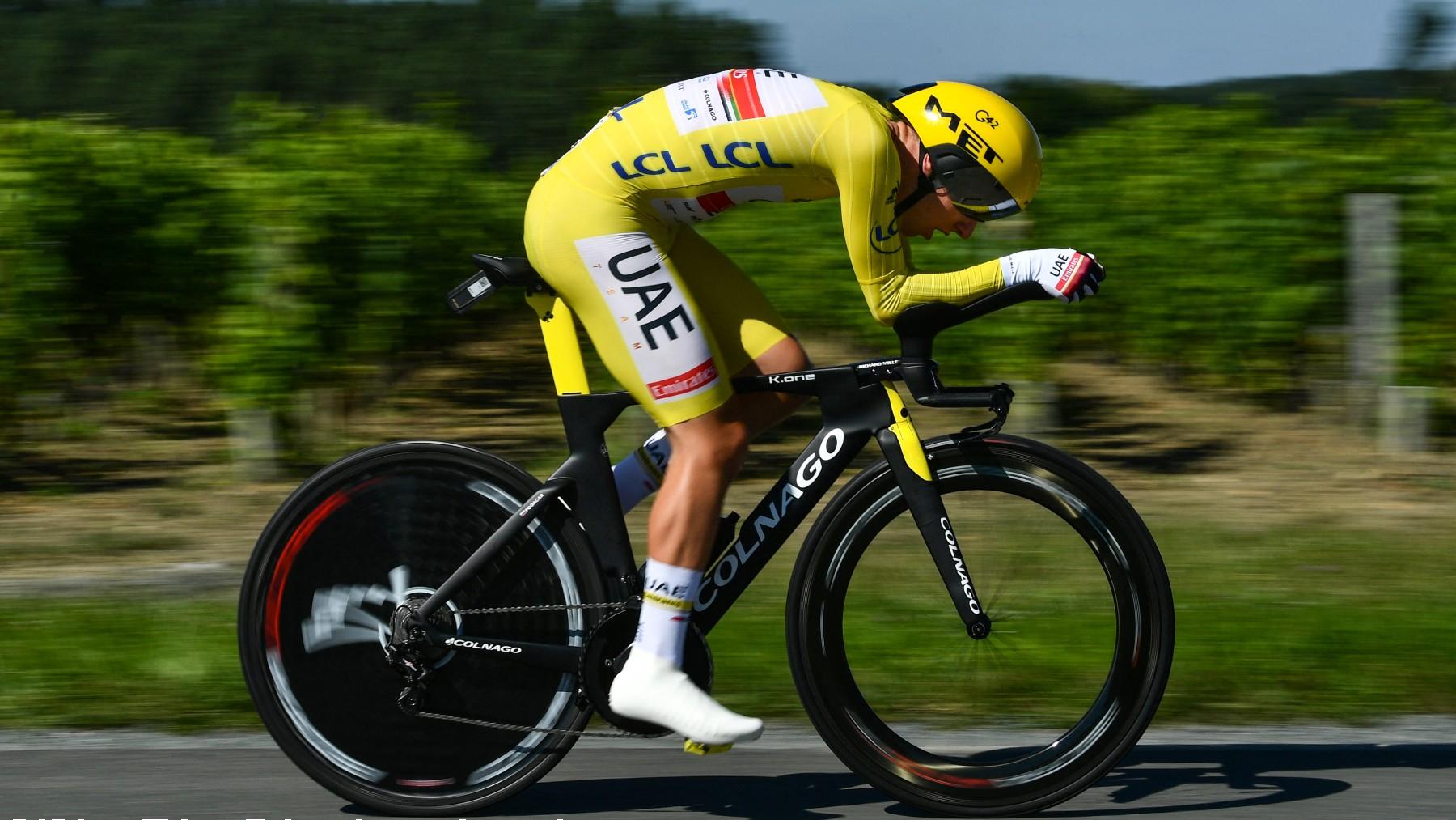 Tadej Pogacar durante la contrarreloj de la etapa 20 del Tour de Francia 2021. (AFP)