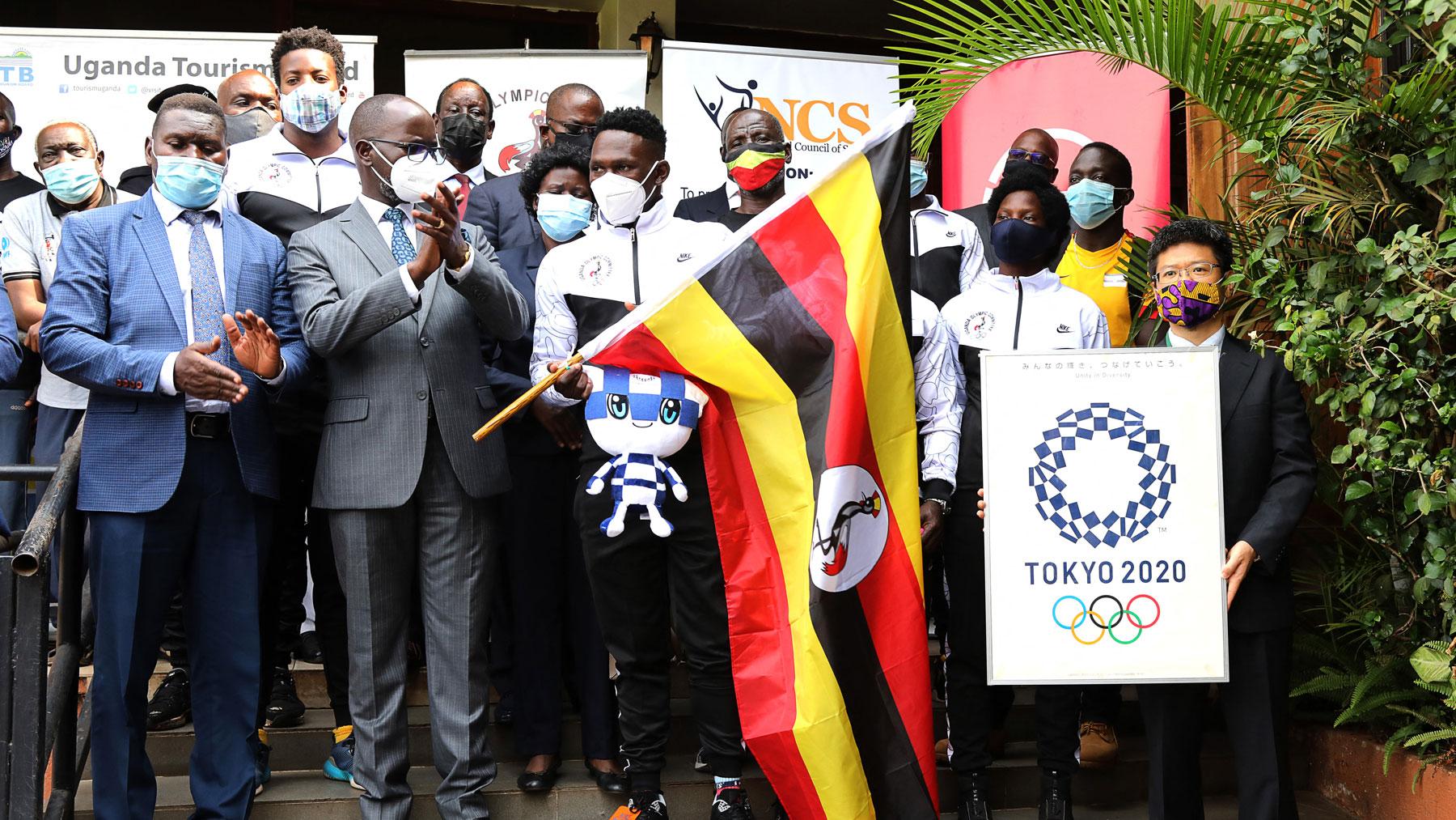 Parte de la delegación de Uganda en Tokio 2020 (AFP)