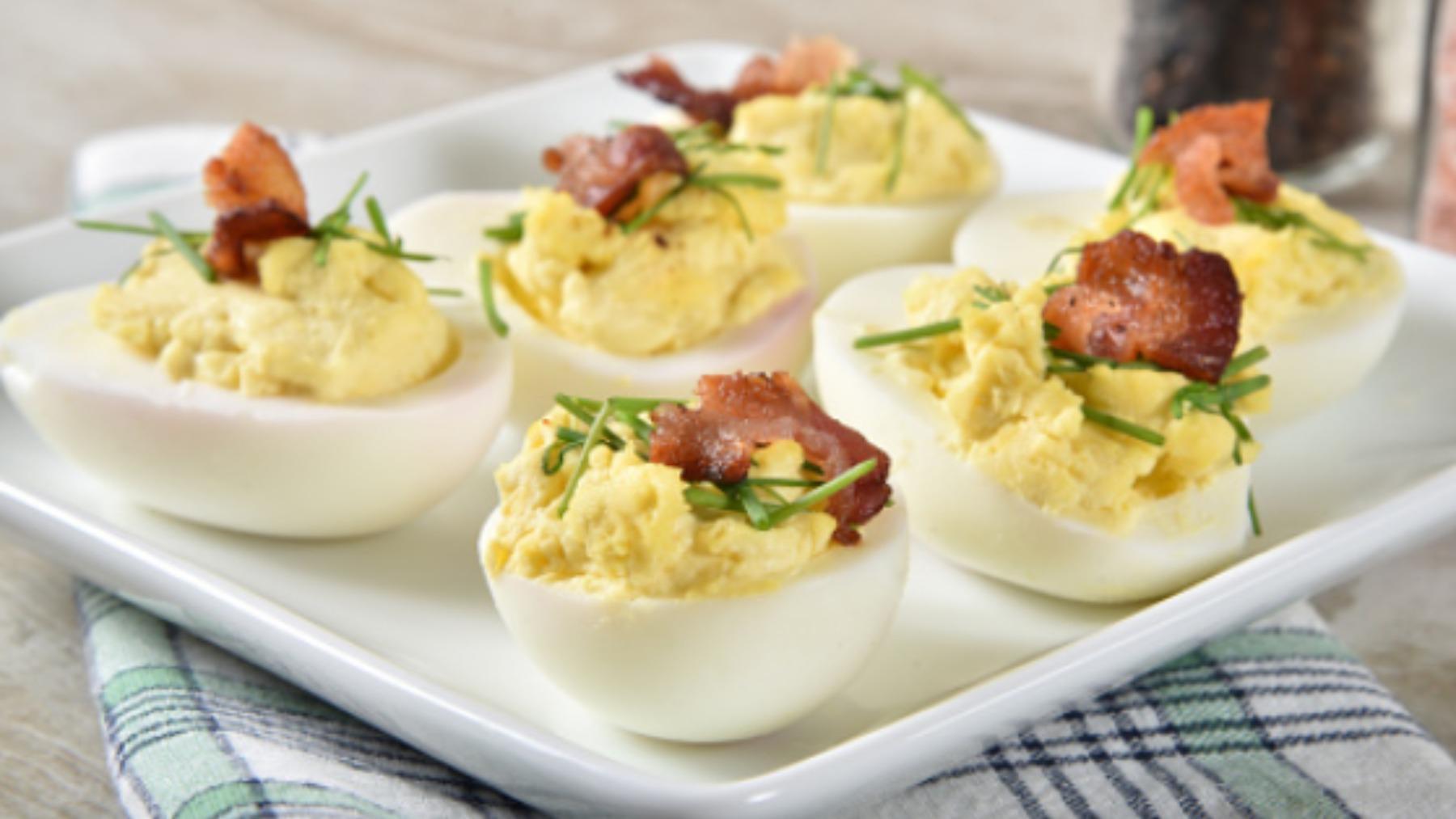 Las 5 recetas de huevos rellenos más refrescantes, originales y deliciosas del verano