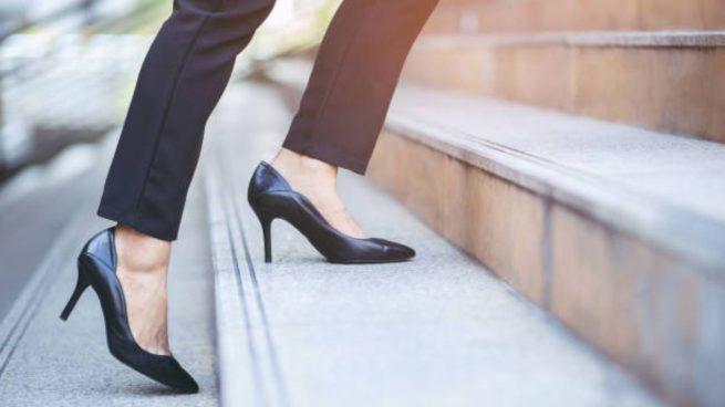 caminar con tacones
